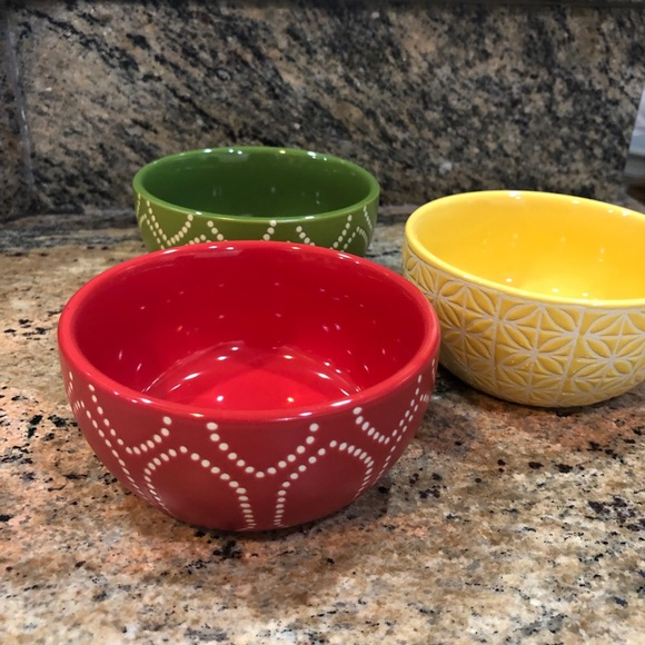 Small dipping bowls (3), red, green, yellow, 4 in.
